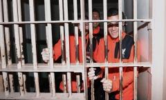 Sao sống sao? - Dàn sao Liverpool trải nghiệm cảm giác đi tù