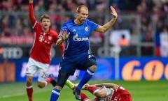 Robben năn nỉ trọng tài nương tay với đối phương