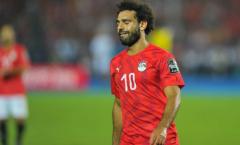 Bênh vực kẻ quấy rối, 'quả báo' đến sớm với Mohamed Salah?