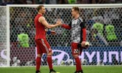 Đàn em trên ĐTQG gay gắt, Neuer lạnh lùng phản bác 1 câu gây bất ngờ