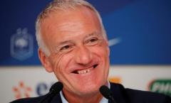 Nhận chỉ trích từ BLĐ Bayern Munich, HLV Didier Deschamp đáp trả 'cực gắt'