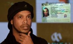 Nỗ lực kiếm tiền trả nợ chính phủ, Ronaldinho lại bị bắt vì làm hộ chiếu giả