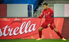 Ronaldo đạt cột mốc khủng với cú đúp siêu phẩm, BĐN đè bẹp Thụy Điển
