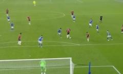 Van de Beek kiến tạo đẳng cấp khiến 'anh cả' Man Utd phải trầm trồ