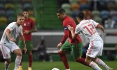 Ronaldo bùng nổ khiến Tây Ban Nha chao đảo, Bồ Đào Nha vẫn cay đắng vì 'thần hộ mệnh'