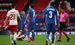 Sao Man Utd lãnh thẻ đỏ, ĐT Anh bất ngờ ngã ngựa trước Đan Mạch