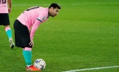Messi bình an vô sự sau khi 'dằn mặt' trọng tài, NHM tỏ rõ sự bất bình