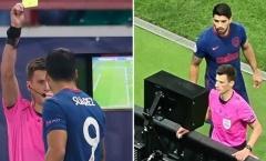 'Nhiều chuyện' xem VAR cùng trọng tài, Suarez nhận ngay án phạt