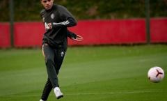 Không được đội tuyển triệu tập, 'Van Persie 2.0' sớm trở lại tập luyện cho M.U