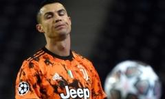 'Ronaldo luôn hơi ích kỷ và chẳng quan tâm quái gì đến người khác ghi bàn'