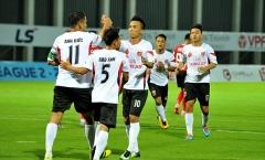 Anh Đức ghi bàn cho Long An trong ngày thầy Park đến dự khán