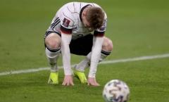 CHOÁNG! Werner phá game, Gundogan quỳ xuống sân ôm đầu gục mặt
