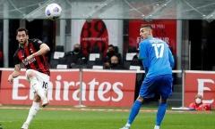 Calhanoglu có siêu phẩm, AC Milan vẫn trắng tay trước Sassuolo