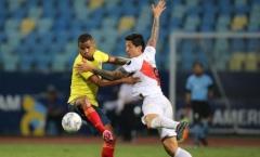 Dẫn trước 2 bàn, Ecuador vẫn không thể thắng Peru