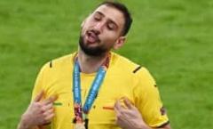 Cản phá quả penalty của Saka, Donnarumma tiết lộ lý do không ăn mừng