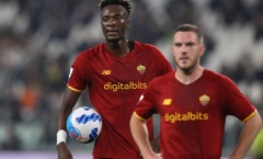Abraham giành sút penalty với đồng đội, Mourinho nói gì?