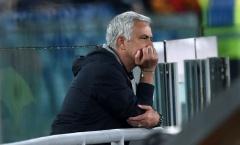 'Mourinho đang tạo ra 1 tình huống khó chịu'