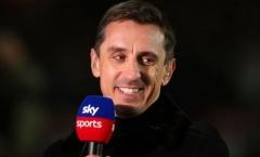 Neville chỉ ra hậu vệ Liverpool 'mọi tiền đạo đều muốn đối đầu'