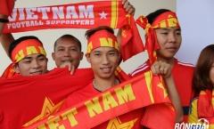 CĐV tiếp lửa U22 Việt Nam tại sân Selayang - Malaysia