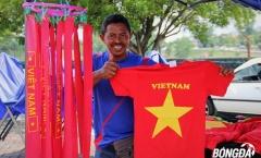 Cờ đỏ sao Vàng Việt Nam hướng về SVĐ Shah Alam