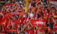 CĐV Việt Nam ăn mừng ấn tượng cùng thầy trò Hữu Thắng trên sân Shah Alam
