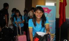 Giành vàng SEA Games 29, ĐT Việt Nam tươi như hoa về Việt Nam