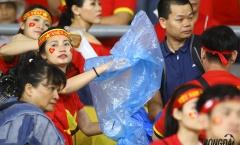 Fan Việt Nam ghi điểm trên chảo lửa Bukit Jalil