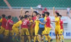 'Cậu bé vàng' Văn Quyến vỡ òa cảm xúc cùng U15 SLNA lên ngôi vô địch
