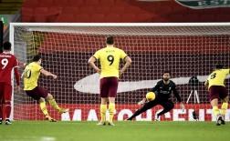 10 thống kê Liverpool 0-1 Burnley: Siêu tệ hại, cú sốc tại Anfield!