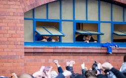 Steven Gerrard và khung cảnh bùng nổ ở Ibrox