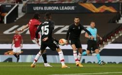 10 thống kê M.U 2-0 Granada: Đỉnh cao Cavani, phá dớp đen đủi!