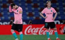 Giống như David Villa, Suarez khiến Barca phải trả giá đắt