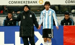 Lionel Messi và Diego Maradona: Hai người Argentina với cái kèo trái 'ma thuật'