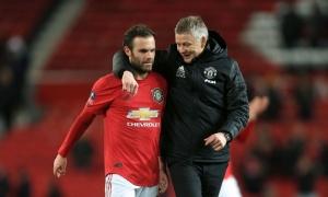 Solskjaer thừa nhận đang gặp khó khăn với Juan Mata