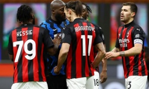 Lukaku - Ibrahimovic đã để lộ sự thật về phòng thay đồ của Man Utd