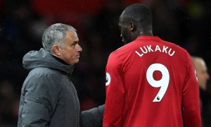 Lukaku đáp trả NHM sau khi bị chê không kiểm soát nổi bóng ở Man Utd