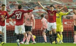 Thua sốc, CĐV Man Utd tức điên gọi đội nhà là 'CLB từ thiện'