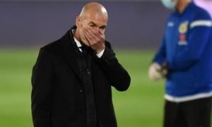 XONG! Sao Real dương tính COVID-19, hàng thủ Zidane tan hoang