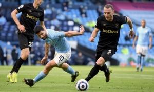 Pep ra tuyên bố cho Aguero về một suất đá chính ở Man City