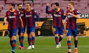 Chưa vô địch, Koeman đã thắng trong lòng các CĐV Barca ở 2 phương diện