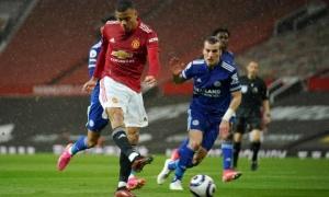 Greenwood tỏa sáng, Man Utd vẫn dâng ngôi vương cho Man City