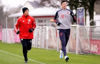 XONG! Sát thủ trở lại, sẵn sàng cùng Bayern ngược dòng trước PSG