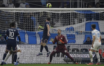 Đội hình tiêu biểu vòng 11 Ligue 1: Người khuất phục Messi, Mbappe