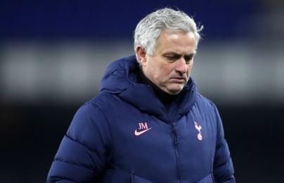 """""""Thừa nước đục thả câu"""", Mourinho muốn có sao thất sủng M.U tức thì"""