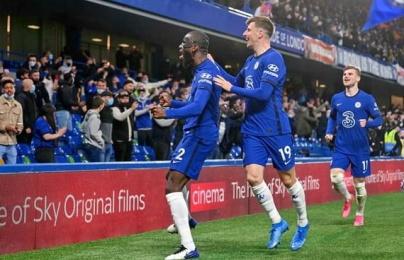 """""""Siêu trung vệ"""" xuất hiện trong trận Chelsea 2-1 Leicester"""