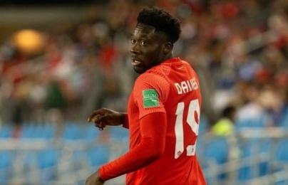 Nhận Virus FIFA, Bayern có thông báo về Alphonso Davies
