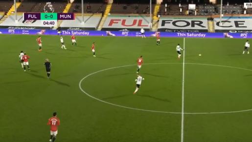 Hớ hênh, Pogba tự tay 'dâng' bàn thắng cho Fulham