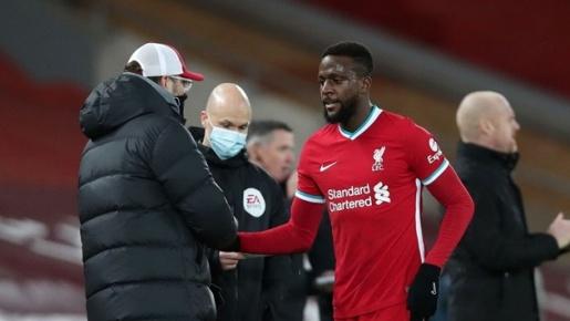 CHOÁNG! Origi bỏ lỡ cơ hội khó tin, góp phần khiến Liverpool thua đau