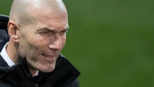 Thật may, Zidane vẫn sở hữu một 'quái thú bất ngờ' khi Real tan nát đội hình