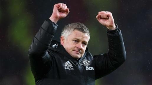 """Đón """"sát thủ"""" 45 triệu, Man Utd có nhân sự thay Cavani"""